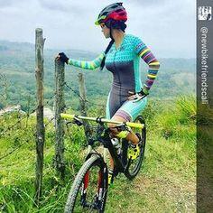 REF LAN repost . @newbikefriendscali desayunito en #picodeaguila una Ruta donde nuestras niñas ...