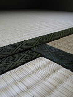 Tatami is a type of mat used as a flooring material in traditional Japanese rooms. Japanese Interior, Japanese Design, Japanese Style, Japanese Art, Traditional Japanese, Korean Style, Japanese Architecture, Sustainable Architecture, Residential Architecture
