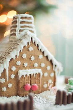 my own gingerbread house!