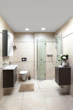 Malá koupelna inspirace. Do malé koupelny zvolte světlou barvu obkladů, v přírodních tónech. Opticky zvětšíte a otevřete prostor. Přírodní tóny barev působí uklidňujícím dojmem a dobře je vnímáme.