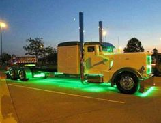 Yellow Pete with neon green 'glow'! Hmmmm.... guess this qualifies as a chicken truck!