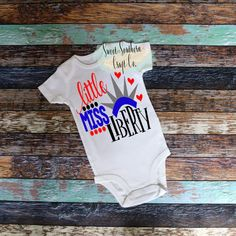 In A World Where You Can Be Anything, Be Kind Baby Bodysuit, Youth Sizes Available,Tshirt,Kindness M Big Kids, Kids Girls, Top Girls, Happy Birthday America, July Baby, Heat Transfer Vinyl, Mommy And Me, Baby Bodysuit, Shirts For Girls