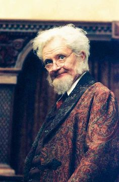 Professor Digory Kirke (The Chronicles of Narnia: The Lion, the Witch and the Wardrobe) Narnia Lion, Narnia 3, Science Fiction, Cair Paravel, Narnia Movies, Mystery, Romance, Chronicles Of Narnia, Cs Lewis