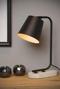 Minimalistyczna lampka biurkowa CONA wykonana z wysokiej jakości metalu w kolorze czarnym oraz betonowej podstawy. Klosz jest ruchomy, dzięki czemu można dopasować kierunek świecenia lampy do potrzeb. W serii dostępna jest także lampka w kolorze białym oraz lampy podłogowe. Desk Lamp, Table Lamps, New Homes, Indoor, Lighting, Vintage, Led, Metal, Black