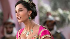 A brand new image from Disney's live-action remake of Aladdin gives fans a fresh look at Power Rangers star Naomi Scott as Princess Jasmine. Aladdin Live, Watch Aladdin, Aladdin Art, Aladdin Musical, Guy Ritchie, Robin Williams, Live Action, Action Film, Aladdin Et Jasmine