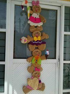 Crochet Christmas Garland, Christmas Lights Garland, Christmas Door Decorations, Felt Decorations, Etsy Christmas, Christmas Wood, Christmas Candy, Christmas Crafts, Christmas Ornaments
