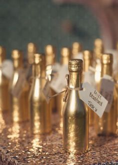 Wedding favor idea; Featured Photographer: Sun & Sparrow Photography
