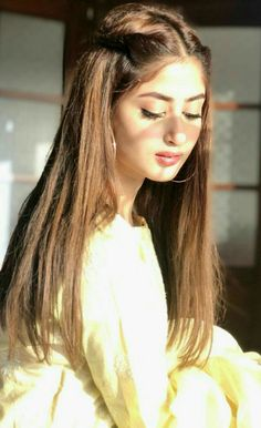 Cute Girl Photo, Girl Photo Poses, Girl Photography Poses, Girl Poses, Pakistani Girl, Pakistani Actress, Pakistani Models, Sajjal Ali, Front Hair Styles