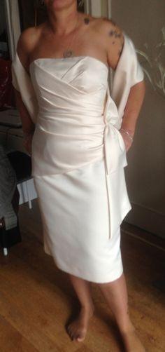 Ensemble robe de mariée courte et étole+ boléro d'occasion