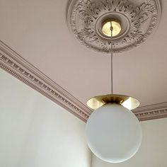 Home Decoration Living Room Pink Hallway, Hallway Ceiling, Hallway Lighting, Bedroom Ceiling, Pink Ceiling, Colored Ceiling, Decoration Inspiration, Interior Inspiration, Plafond Rose