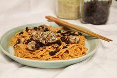 This Rawsome Vegan Life: yam noodles with sweet sauce, marinated mushrooms & sesame seeds