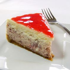 One Perfect Bite: Roasted Strawberries-and-Cream Cheesecake Roasted Strawberries, Strawberries And Cream, Yummy Treats, Delicious Desserts, Sweet Treats, Cheesecake Recipes, Dessert Recipes, Bunt Cakes, Homemade Desserts