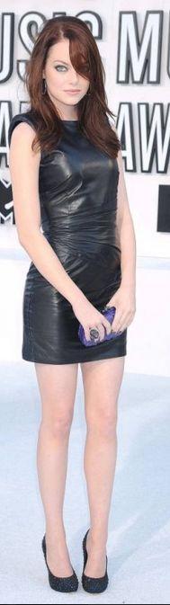 Très très belle robe en cuir sexy !!!