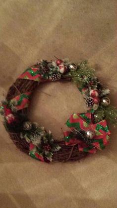 Winter holiday wreath