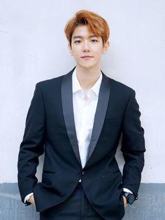 Byun Baek Hyun / EXO