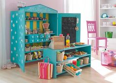 This DIY dramatic play market makes my heart go pitter patter! Totally doing this some day!