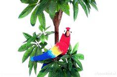 Perez flirty Parrot book Hoooked MAXIGURUMI