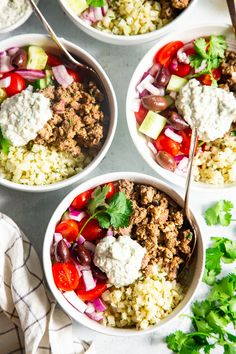healthy weeknight meals These super tasty low carb, Paleo, and gyro bowls are perfect for a weeknight meal and are easy to meal prep too. You wont miss the dairy or grains at all with these flavor and veggie packed healthy gyro bowls! Low Carb Dinner Recipes, Paleo Dinner, Paleo Recipes, Real Food Recipes, Paleo Meals, Diet Meals, Clean Eating, Healthy Eating, Healthy Foods