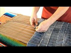 ▶ DIY How to make a carpet recycling old jeans - Manualidades: Alfombra reciclada de vaqueros viejos - YouTube