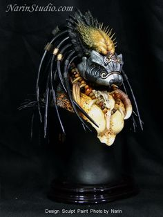 Predator Movie, Predator Alien, Dark Knights Metal, Predator Costume, Alien Concept Art, Aliens Movie, Xenomorph, Samurai Warrior, Sculpting