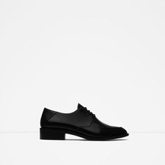 Image 1 of SINGLE COLOR FLAT SHOES from Zara