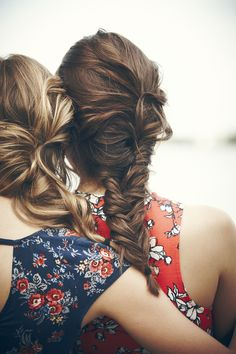 Friends and Messy braids! Messy Hairstyles, Pretty Hairstyles, Hairstyle Braid, Messy Braids, Loose Braids, Loose Hair, Good Hair Day, Hair Dos, Gorgeous Hair