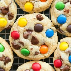 Healthy Keto and Low Carb M & M Cookies using sugar free candy buttons! An easy recipe for soft, chewy and eggless cookies ready in 12 minutes! Healthy Cookie Recipes, Healthy Cookies, Keto Recipes, Keto Desserts, Dessert Recipes, Healthy Brownies, Healthy Desserts, Sugar Free Chocolate Chips, Mini Chocolate Chips