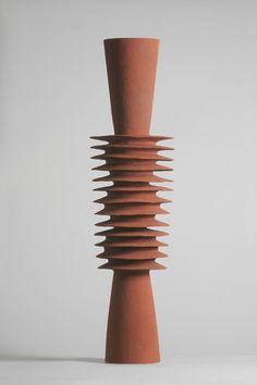 Sandora Davolio, stoneware 55 cm x 20 cm Ceramic Clay, Ceramic Pottery, Pottery Art, Sculptures Céramiques, Sculpture Art, Pottery Sculpture, Paperclay, Assemblage, Ceramic Artists