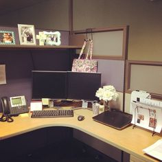 Gorgeous 53 Creative Diy Cubicle Decor Ideas For Working Space Work Cubicle Decor, Cubicle Organization, Work Desk Decor, Cubicle Design, Cubicle Ideas, Decorating Ideas For Office Cubicle, Cubicle Shelves, Home Office Design, Home Office Decor