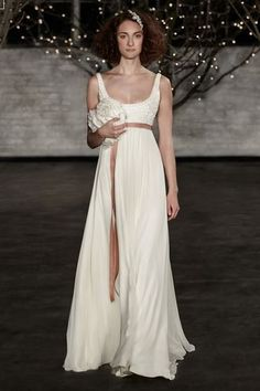 Vestidos de novia estilo vintage: Vuelve el retro. Da un toque retro, especial y elegante a tu vestido de novia apostando por el vintage para el día de tu boda.