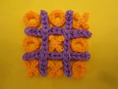 Rainbow Loom Tic Tac Toe Game tutorial by Lovely Lovebird Designs. Naughts and Crosses. Rainbow Loom Tutorials, Rainbow Loom Patterns, Rainbow Loom Creations, Loom Band Charms, Loom Band Bracelets, Rainbow Loom Charms, Rainbow Loom Bracelets, Rubber Band Crafts, Rubber Bands