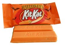 Kit Kat Orange and Cream Retro Candy, Spooky Treats, Snack Recipes, Snacks, Favorite Candy, New Flavour, Sugar Rush, Halloween Candy, I Foods