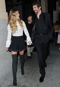 Keeping warm: The hid her long, bronzed legs behind a pair of over-the-knee boots Fashion Night, Girl Fashion, Mens Fashion, Fashion Edgy, Nina Agdal, Black And White Style, Keep Warm, Over The Knee Boots, Night Out
