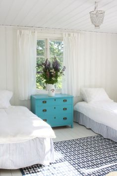 rustic-bedroom pinkletand.blogspot