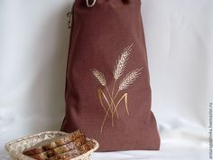 Linen bag embroidery Bread Bags, Linen Bag, Go Green, Deco, Embroidery, Crafting, Warm, Stuff Stuff, Needlepoint
