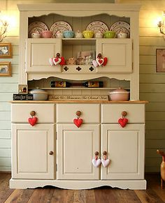 Solid Handmade Pine Welsh Dresser Shabby Chic French Farrow & Ball Off White… Cosy Kitchen, Country Kitchen, Kitchen Dining, Repurposed Furniture, Painted Furniture, Diy Furniture, Welsh Dresser, Kitchen Dresser, Cocinas Kitchen