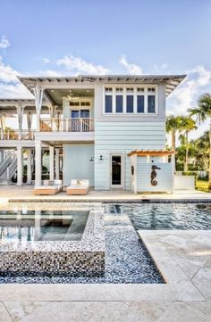 House of Turquoise: Balfoort Architecture + Beach Chic Design エクステリア Tropical Beach Houses, Dream Beach Houses, House Of Turquoise, Beach Cottage Style, Beach House Decor, Beach House Plans, Lake Cottage, Cottage House, House Porch