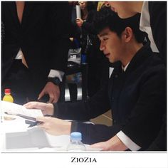 cool [Today] Actor Kim Soo Hyun at ZioZia Fan Signing Event 2014