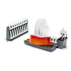 Designed for small kitchens, this rack dries your dishes on the counter. When done, it can be folded away.