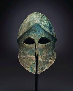 """2,661 """"Μου αρέσει!"""", 24 σχόλια - Christie's (@christiesinc) στο Instagram: """"Corinthian helmets were worn by warriors in Greece beginning in the late 7th to early 6th century…"""""""