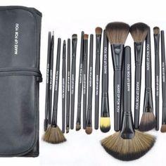 24pcs Professional Soft Makeup Brush Set Kit With Case