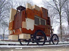 Wat dacht je van een bakfiets met een mini-museum erbovenop?