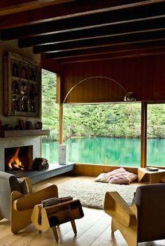 10 Best :: Lake Houses | Feu de cheminée au bord du lac