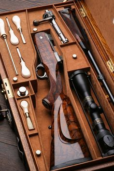 Westley Richards, take Down, Oak & leather case