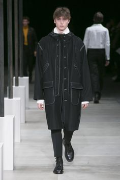 Catwalk photos and all the looks from Sandro Autumn/Winter 2016-17 Menswear Paris Fashion Week
