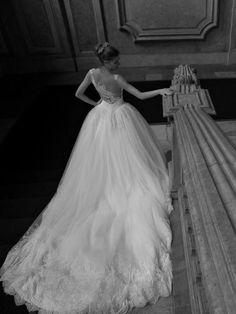 Bruidsjurk romantisch prinsessen model met illusion rug