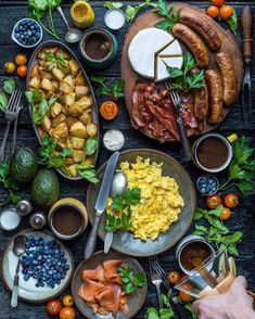 Hands up if breakfast food is your favourite food!  #EatDelicious Food Porn, Good Food, Yummy Food, Yummy Lunch, Baked Shrimp, Cooking Recipes, Healthy Recipes, Healthy Salads, Le Diner