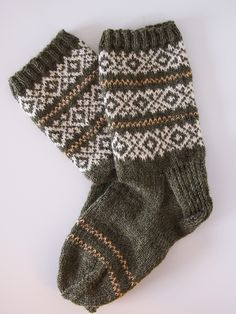 Knitting Socks, Mittens, Crocheting, Knit Crochet, Gloves, Winter, Clothing, Inspiration, Fashion