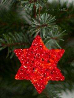 :: zweimalB :: Eine Reise durch das Keksuniversum - Anhänger aus Bügelperlen als Weihnachtsbaumschmuck
