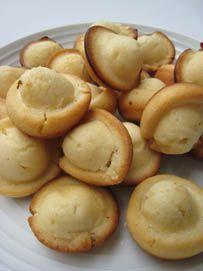 Kababayan or Kabayan (Filipino Sweet Light Butter Bread). alternate here: http://talentadongchef.wordpress.com/2011/11/30/kabayan-filipino-muffins/